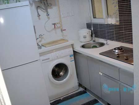 北欧风格家具:厨房来了 无比艰辛完成的 终于把冰箱和洗衣机放在厨房