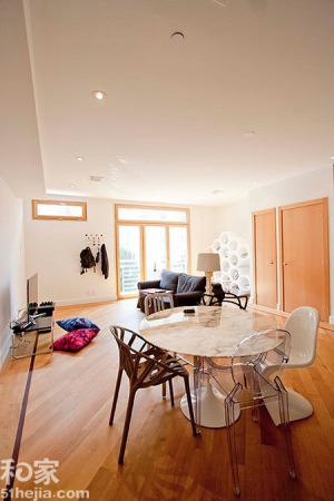 设计的这套极富现代(现代装修效果图)感的室内装修