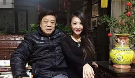 两位律分别介绍了饶颖诉赵忠祥的案始末