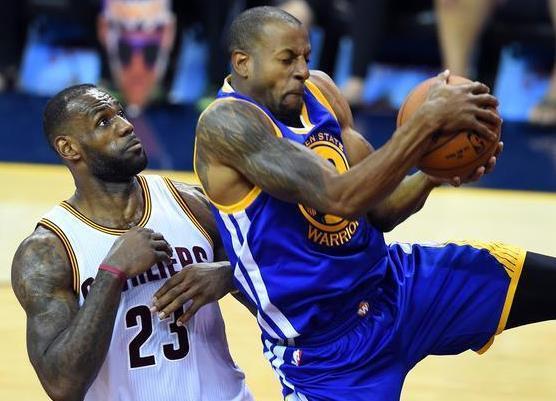 格林在总决赛中对位过詹姆斯,和特里斯坦-汤普森一同争抢篮板,但大