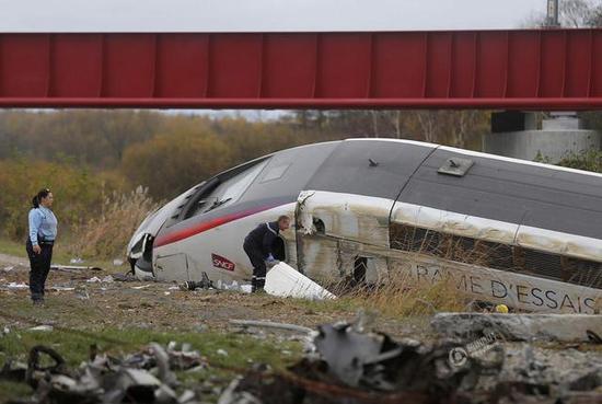 [法国高铁出轨]揭秘法国高铁出轨原因_法国高铁脱轨致