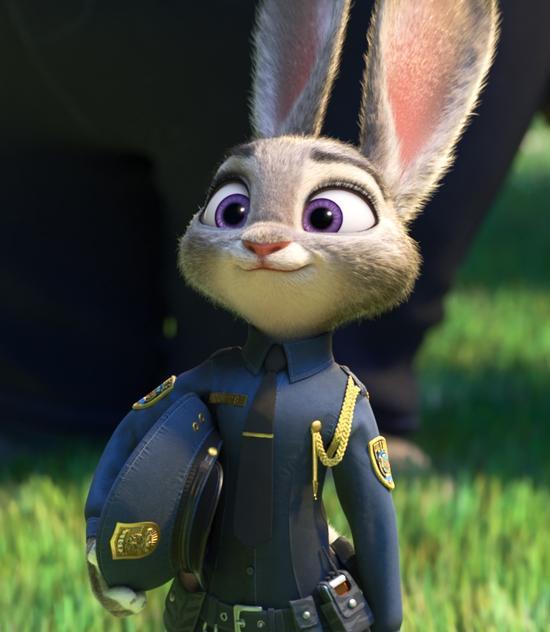 """最后,狐狸尼克在朱迪的感召下也成为了一名警官,狐狸从堕落到""""洗白""""的"""